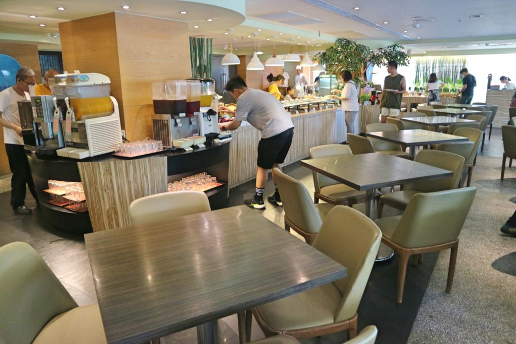 アズールホテルの朝食会場