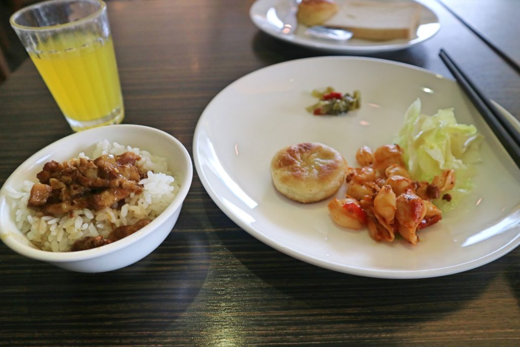 アズールホテルの朝食内容