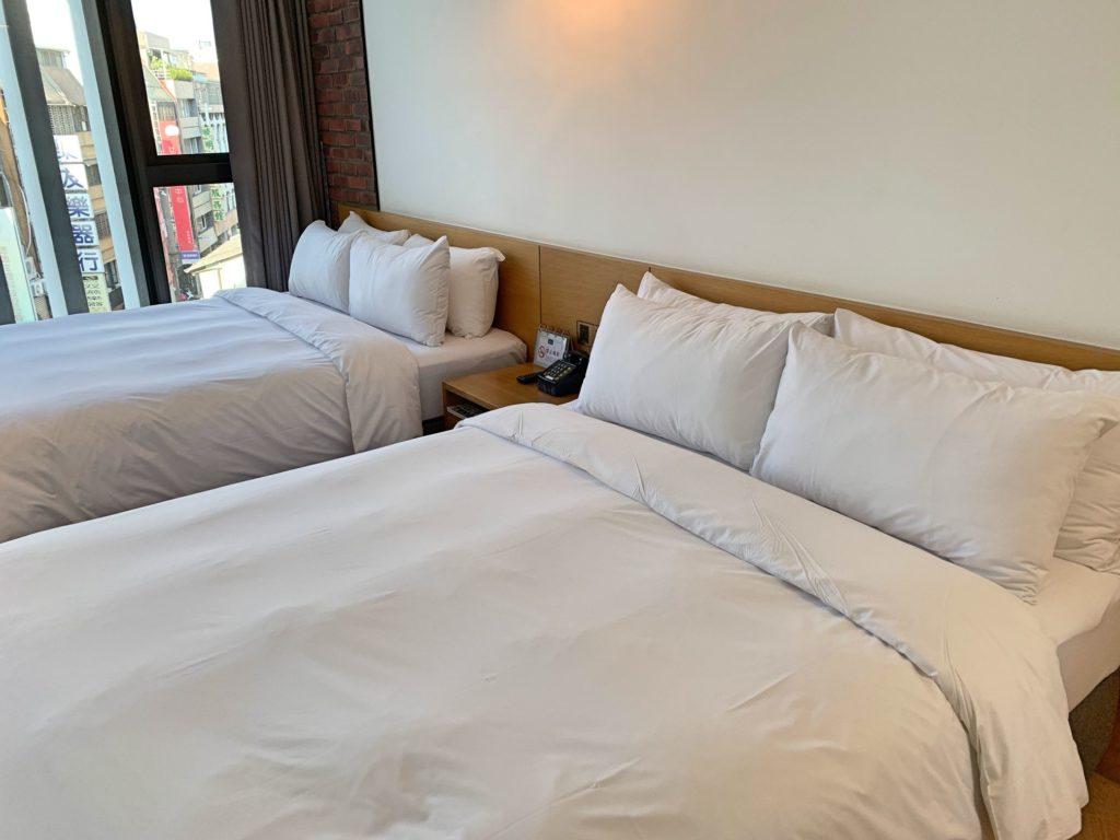 ブルースカイホテルのベット