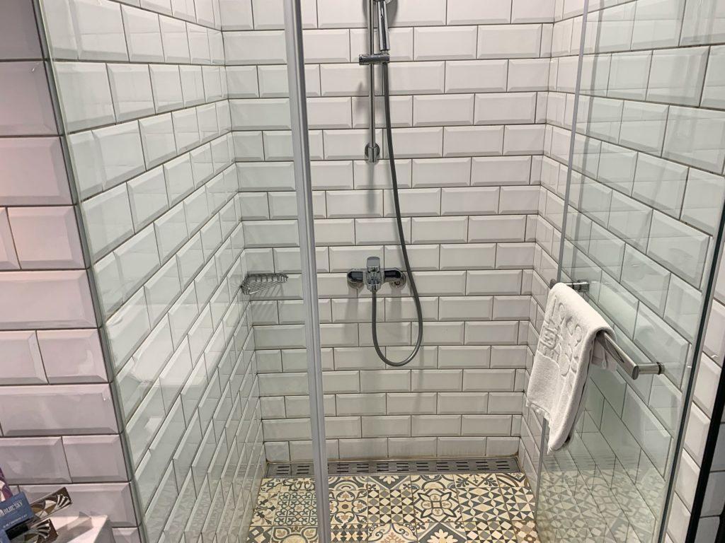ブルースカイホテルのシャワールーム