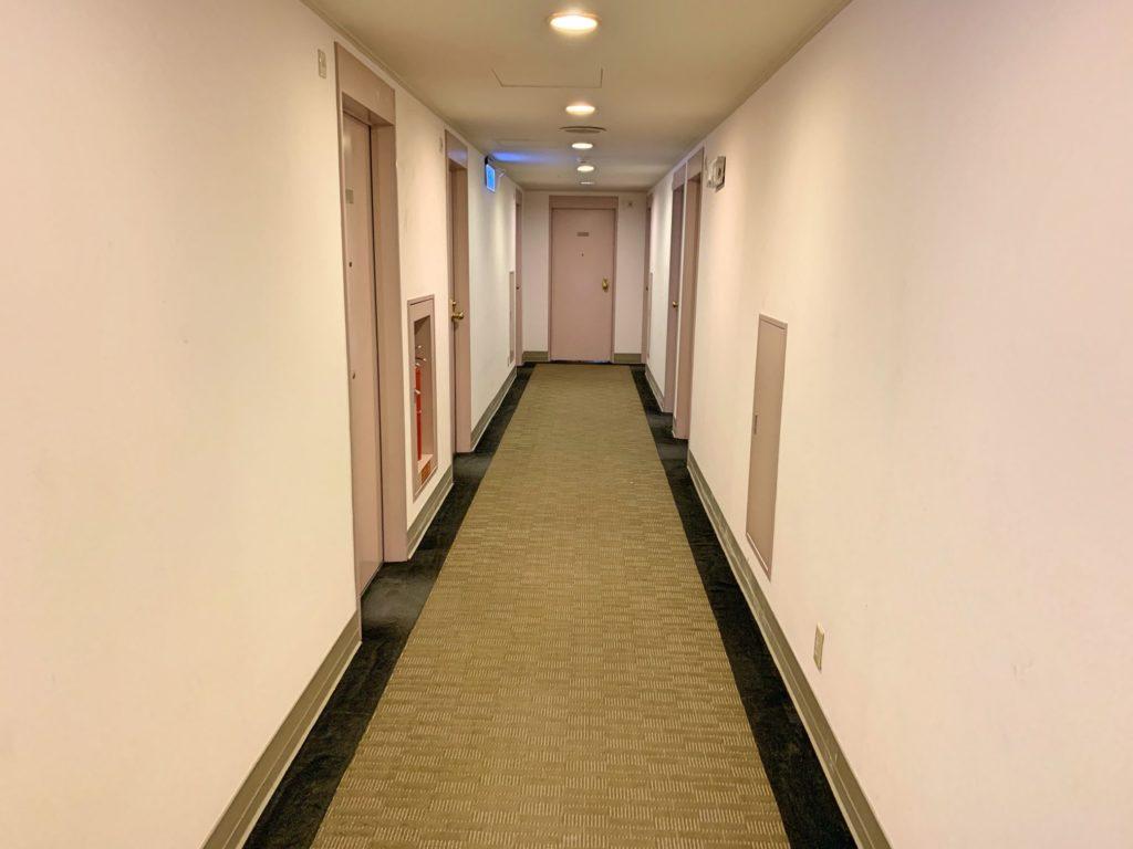 サンルート台北の廊下