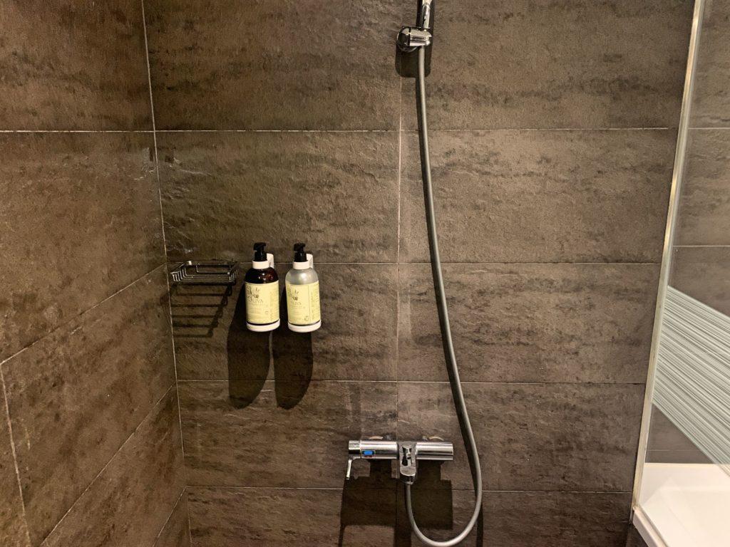 シンプルプラスのシャワールーム