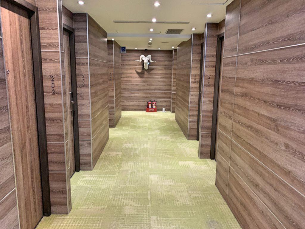ホテルリラックスの廊下