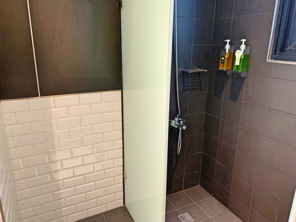 ホテルリラックスのシャワールーム