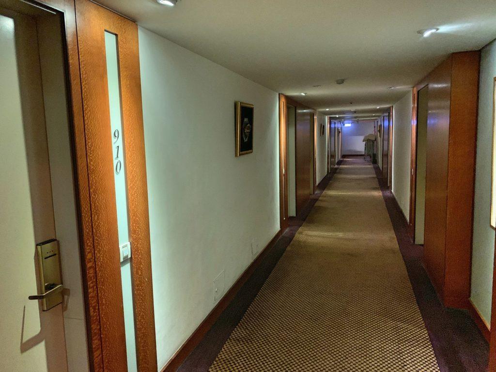グロリアプリンスホテルの廊下